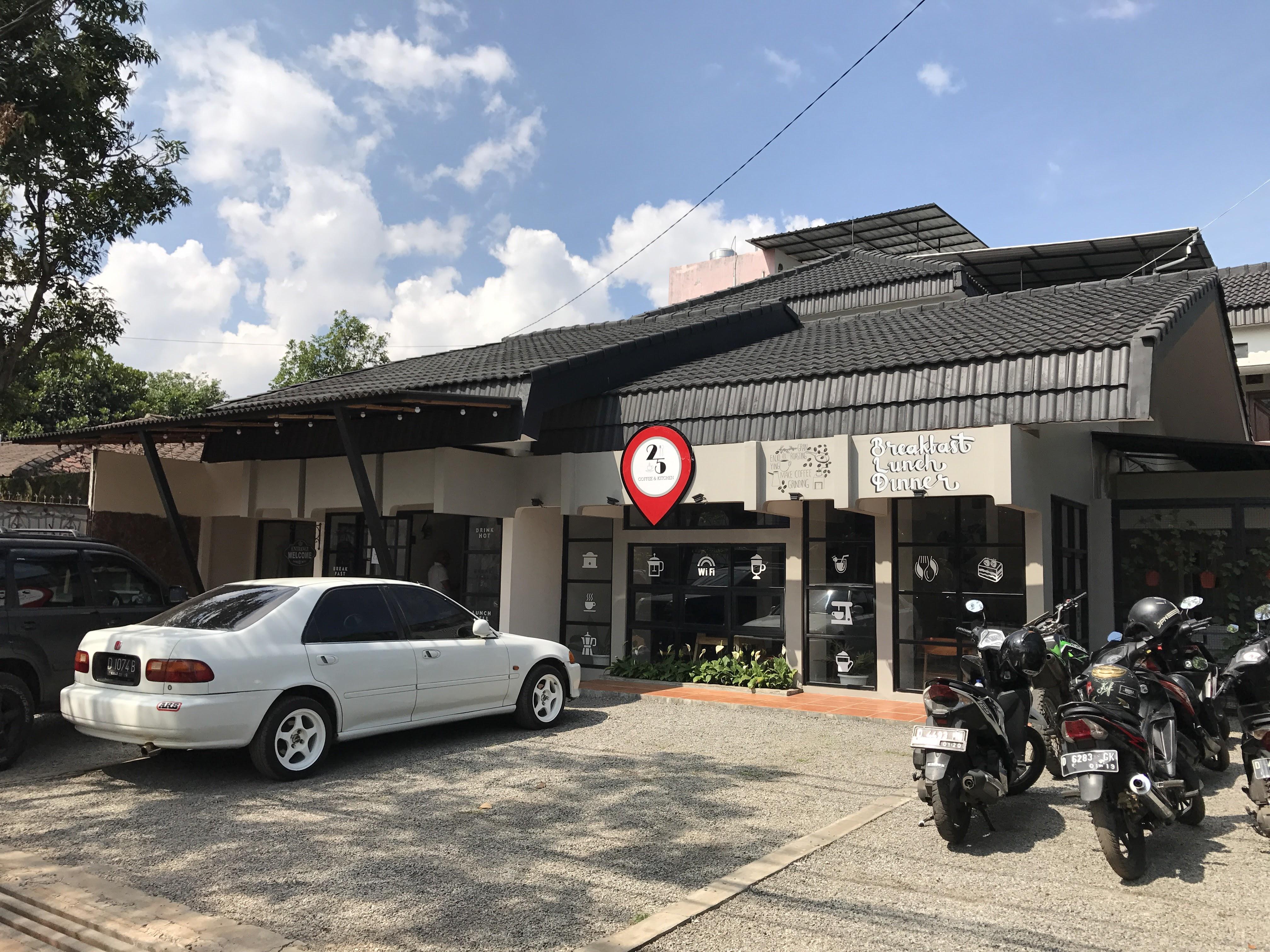 25 Coffee and Kitchen, Tempat Asik Sarapan dan Ngopi di Bandung Timur